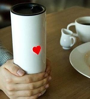 爱心触摸感温水杯